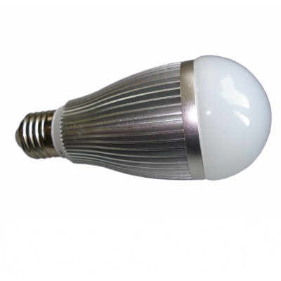 003. Żarówka E 27 20 LED SMD 5630 900LM
